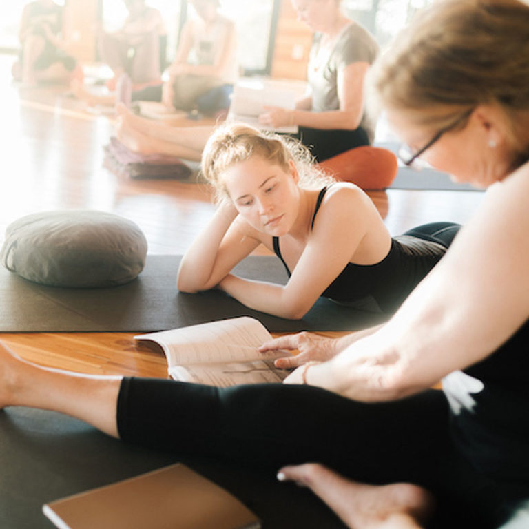 10 Biggest Things To Look For In A Yoga Teacher Training
