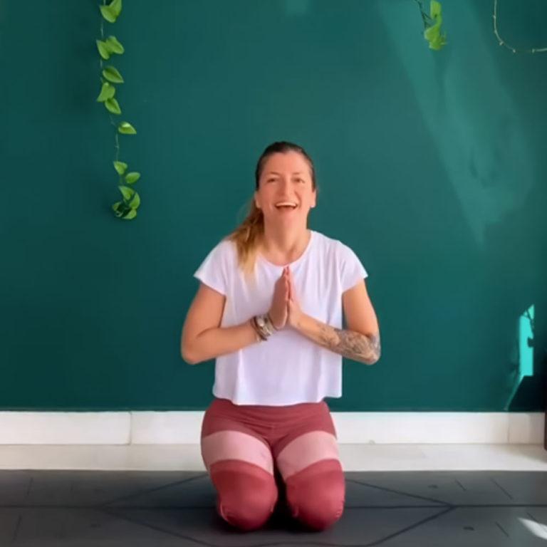30 min Detox Vinyasa Yoga